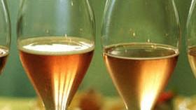 Un estudio revela los beneficios del consumo moderado de champán para mejorar la memoria