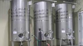 Depósito de almacenamiento y de elaboración de vino
