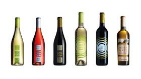 La nueva imagen de los vinos Adernats presentada en sociedad