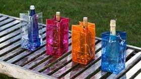 Cubiteras plegables y coloridas: el vino para llevar y enseñar