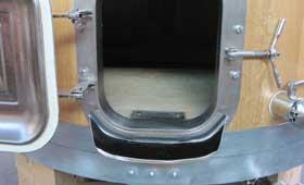 Tecnovino cuba de fermentacion puerta ras Veneta Botti