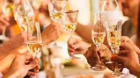Un anuncio por el que Codorníu se define: No somos champagne