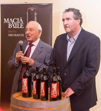 Tecnovino vino Reserva Privada 2011 Macia Batle presentacion