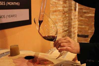 Tecnovino catar el vino desde la barrica Emilio Moro