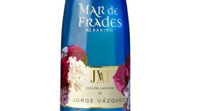 Mar de Frades by Jorge Vázquez, un vino que viste uno de los estampados tendencia en moda