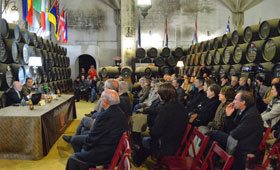 Tecnovino vino fino Williams Humbert 280x170