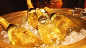 Thepaex Oro, un sofisticado cava de oro para disfrutar