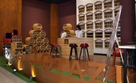 Tienda de Bodega Otazu en China