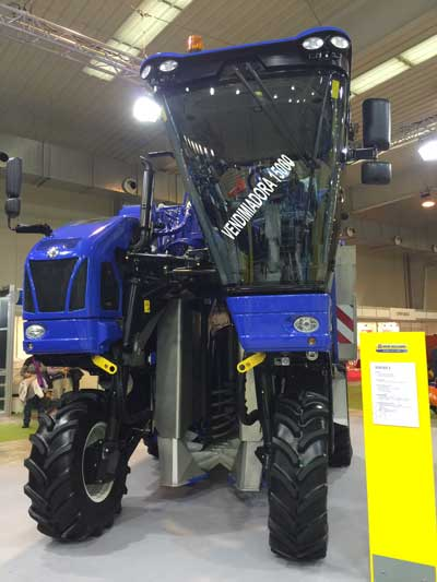 Tecnovino New Holland Tecnovid vendimiadora Braud 1