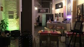 Se traspasa local ideal para vinoteca en el Barrio Gótico de Barcelona