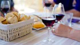 Jornada para recuperar el consumo de vino en España