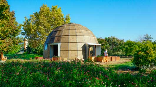 Tecnovino construccion para bodegas y en turismo Ecologic dome Chapeau Vert 1