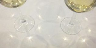 La caída de precios del vino blanco a granel significa una mayor profesionalización del sector vitivinícola