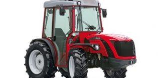Tractor reversible para la realización de tareas complejas en el viñedo
