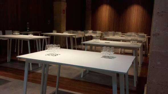 Tecnovino mobiliario para bodegas mesa Sellex Bodegas Osborne
