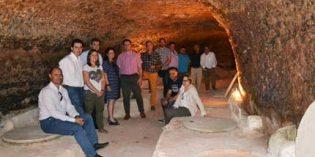 Las tinajas de barro para elaborar vinos de calidad, objeto de la iniciativa Govalmavin