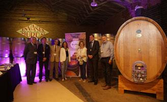 Las claves de la vinificación en grandes volúmenes mostradas en una jornada de Tonelería Murúa