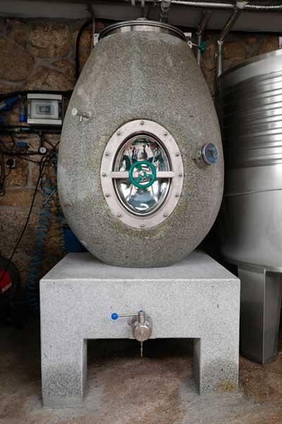 Tecnovino barricas para vino de granito 2
