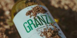 Los vinos ecológicos Granza utilizan papel de residuos de uva para sus etiquetas