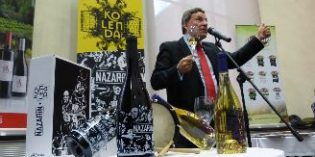 Lagar d´Amprius rinde homenaje a Luis Buñuel y Calanda con dos vinos, Nazarín y Kolenda