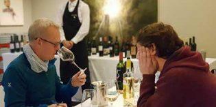 El Master of Wine Tim Atkin cata los vinos de Abra