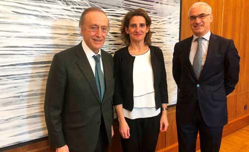 Tecnovino bodegas contra el cambio climatico reunion FEV Ministra Ribera
