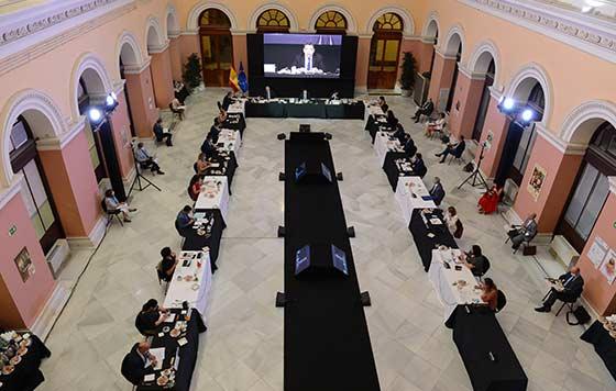 Tecnovino reestructuración del viñedo detalle reunión