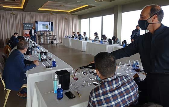 Tecnovino promoción de los vinos de Rioja Galicia cata