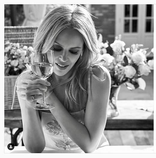 Tecnovino Kylie Minogue foto vino