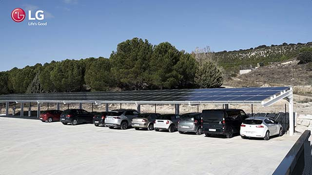 Tecnovino Matarromera LG paneles solares