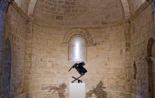 Tecnovino Abadía Retuerta obra Chillida